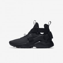 150IUZEO Boys Black/White Nike Huarache City Lifestyle Shoes