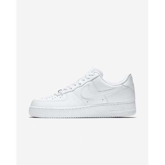 253HLKSF Mens White Nike Air Force 1 07 Lifestyle Shoes