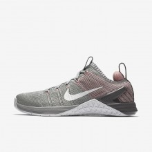 409QCBTU Womens Matte Silver/Rust Pink/Gunsmoke/White Nike Metcon DSX Flyknit 2 Training Shoes