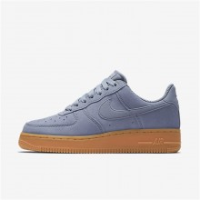 731BXZFK Womens Glacier Grey/Gum Medium Brown/Ivory Nike Air Force 1 07 SE Lifestyle Shoes