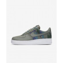 869QVMWI Mens Dark Stucco/Dark Raisin/Vintage Green Nike Air Force 1 07 Low Lifestyle Shoes